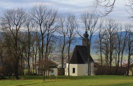 Kirche-Berg-im-Attergau