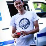 ST.GEORGEN,AUSTRIA,07.AUG.17 - CYCLING, RACE AROUND AUSTRIA. Bild zeigt Lukas Kienreich (AUT) bei der technischen Inspektion. Foto: Felix Roittner